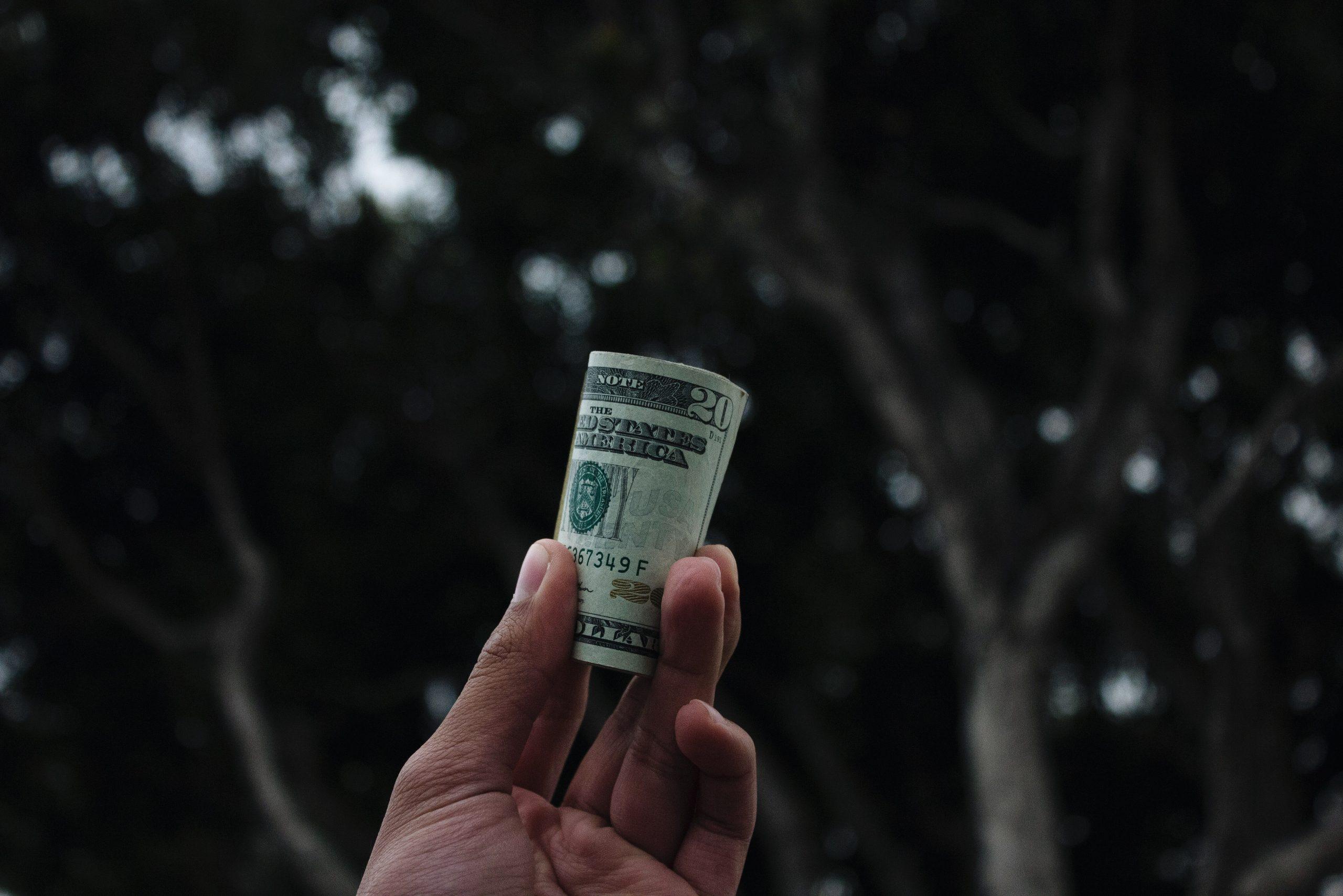 中信银行为何突然禁止比特币交易?曾被央行开出今年第一号反洗钱罚单